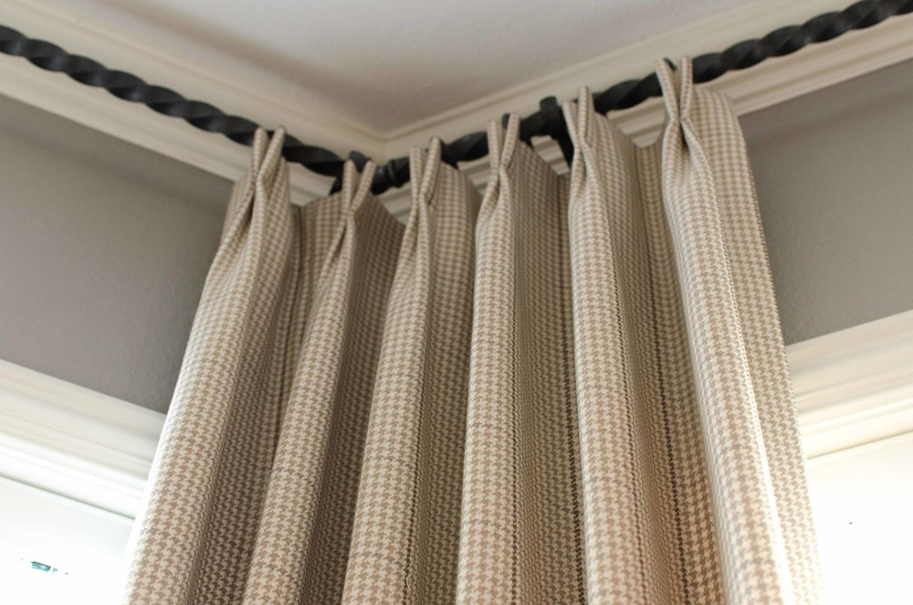 Twisted metal curtain rod