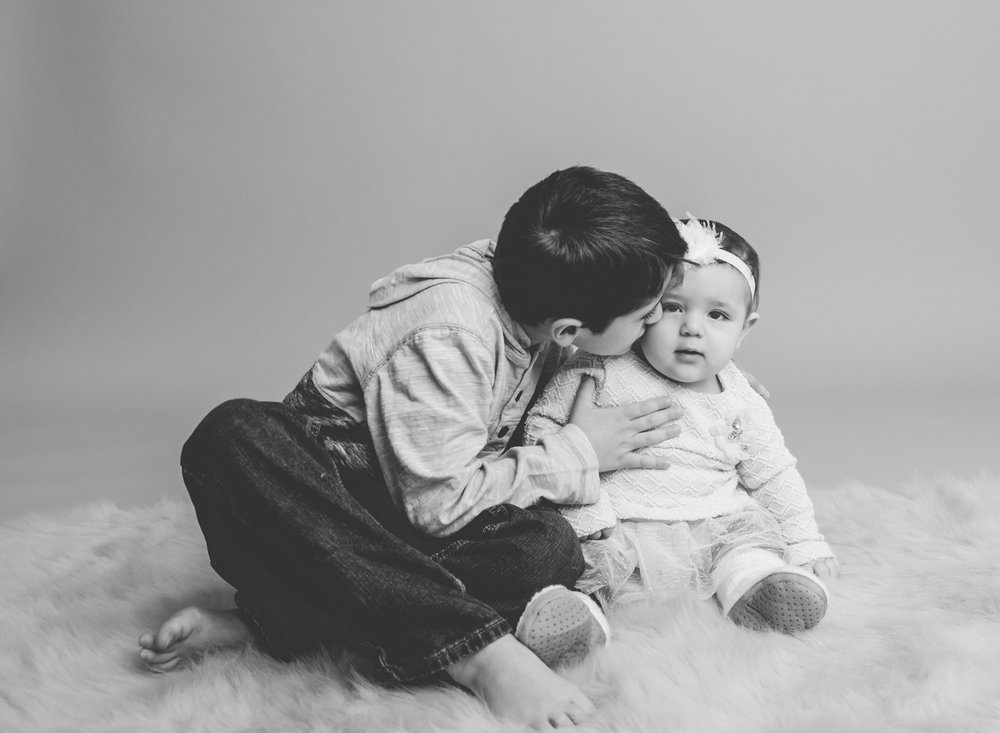 sibling-photo-studio-centerburg-ohio.jpg
