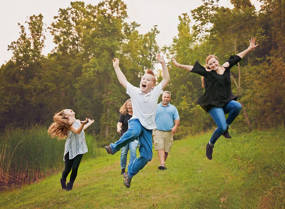 fun-family-photo-session-hocking-hills-ohio.jpg