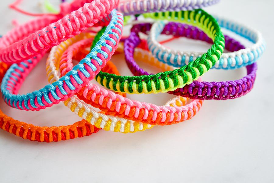 super-easy-friendship-bracelets-600-36.jpg