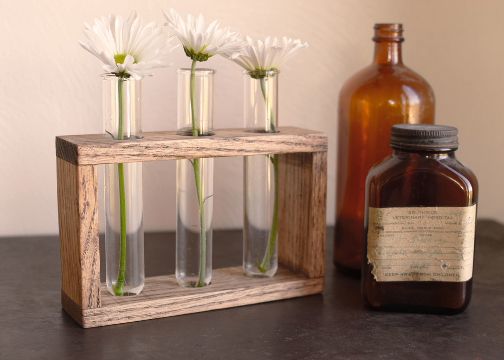 Oak 3 bud vase 1.jpg