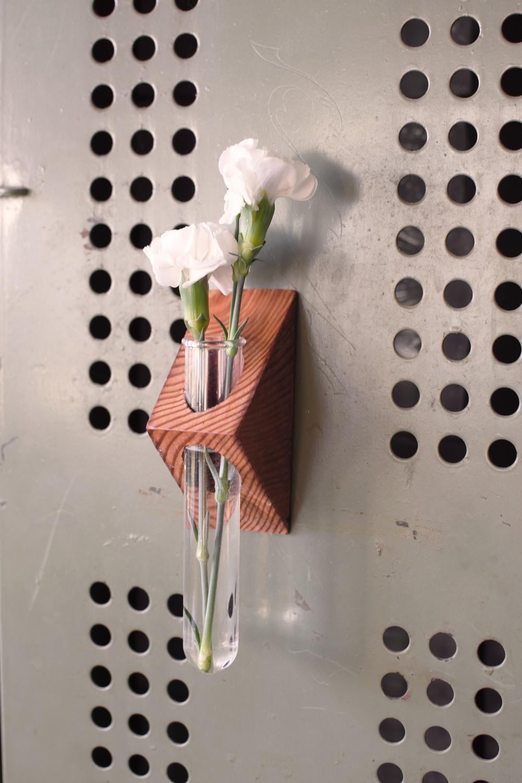magnet bud vase 1.jpg