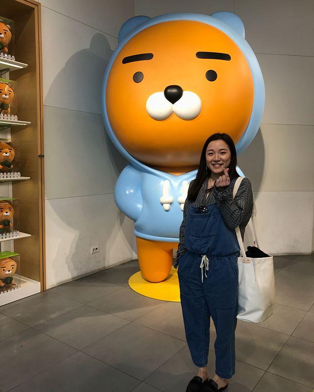 Kakao friends & me! They are super cute, and makes me happy 😊 #kakao #korea #adventure