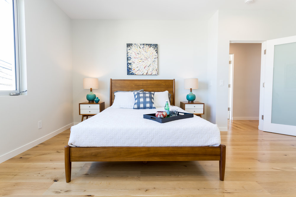 midcentury, modern, west elm, furniture, guest bedroom, oak floors, dunn Edwards, design, interior design,