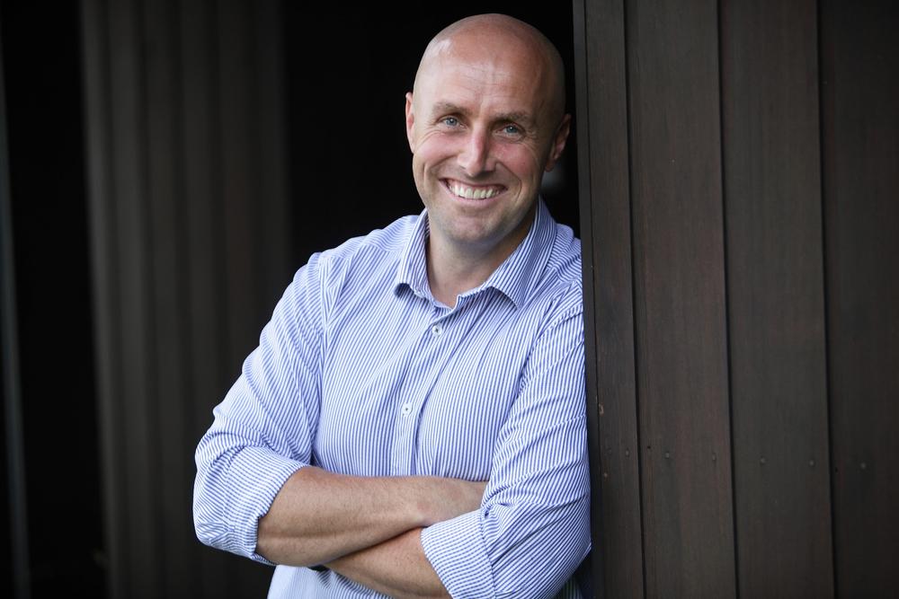 Simon Williams| Sales