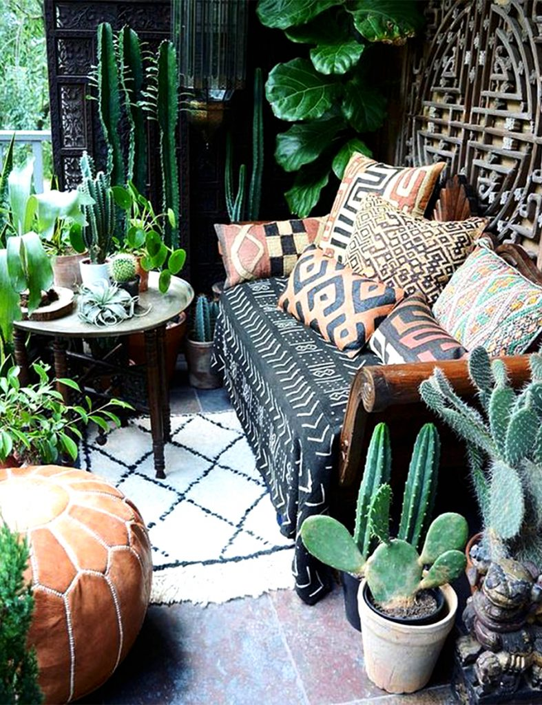Find a plethora of worldly woven Kuba treasures by visiting Design MIX Furniture's showroom!  Taking a trip to the Congo can be as simple as stepping out onto your patio.  Sprinkle your sofa with texturally rich Kuba pillows!      Natural Kuba grass cloth textile with traditional black and tan diamond design. Black soft canvas back with down insert.  http://blog.mixfurniture.com/crazy-for-kuba-cloth/