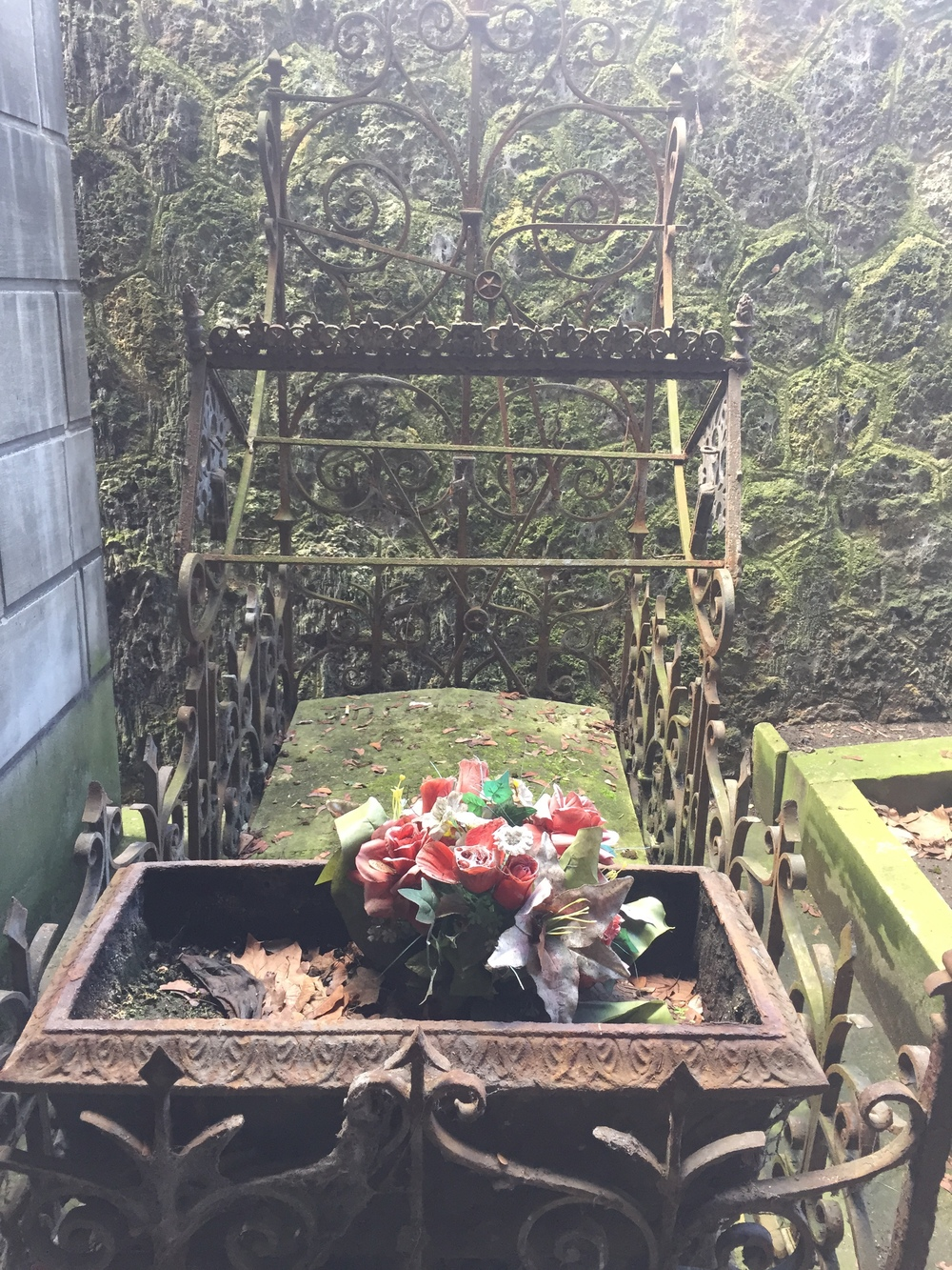 Iron cage grave