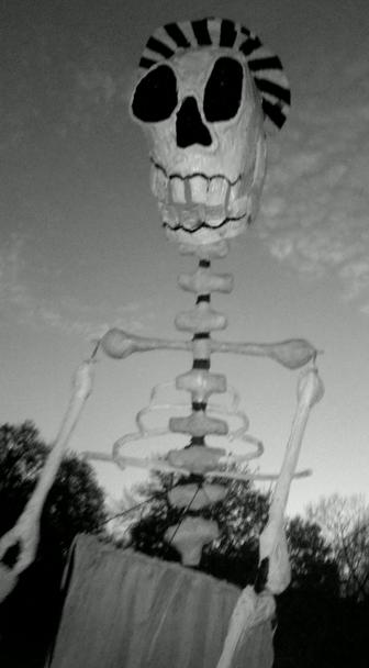 BareBones Halloween Outdoor Puppet Extravaganza