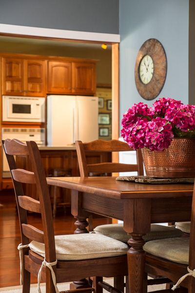 Dining room and kitchen interior photograph :: Michael Gowin, Illinois Home Photography, Peoria, IL