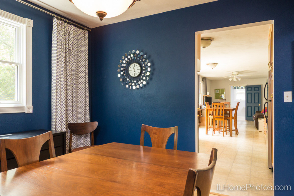 Dining room interior photograph for real estate in Peoria, IL :: Illinois Home Photography by Michael Gowin, Lincoln, IL