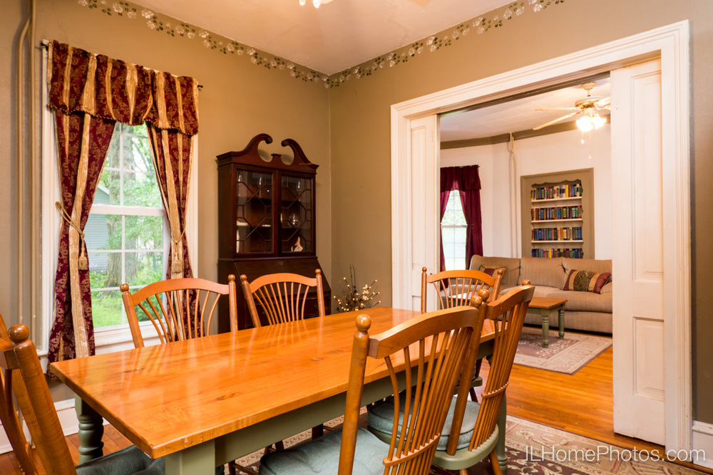 Interior dining room photograph for real estate in Delavan, IL :: Illinois Home Photography by Michael Gowin, Lincoln, IL