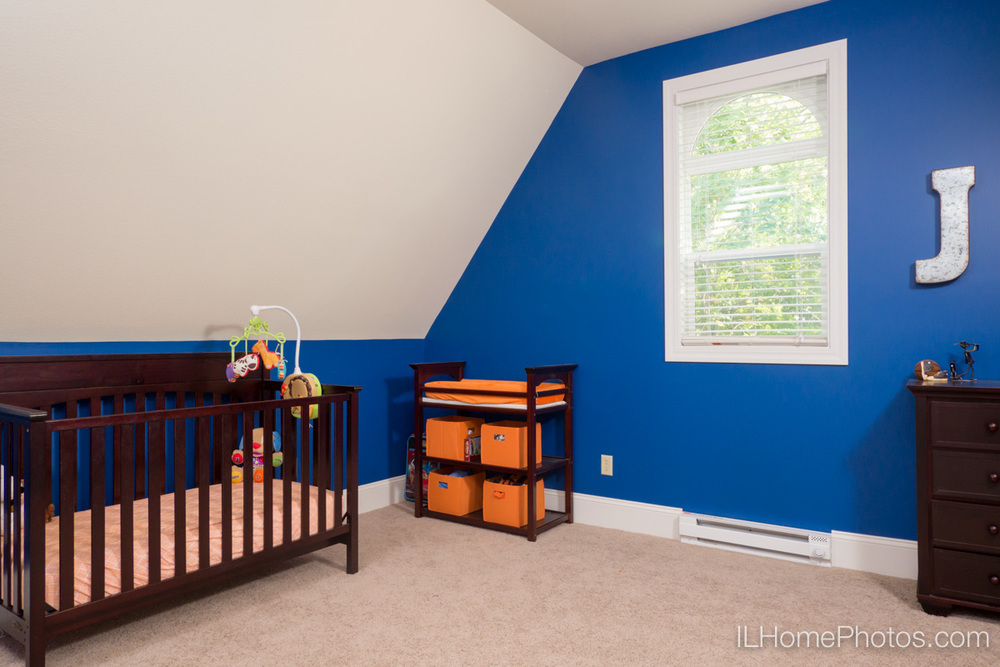 Interior home child's bedroom photograph for real estate in Delavan, IL :: Illinois Home Photography by Michael Gowin, Lincoln, IL