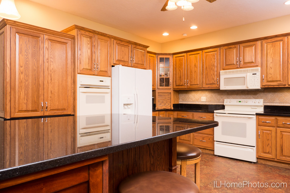 Interior kitchen photograph for real estate in Elkhart, IL :: Illinois Home Photography by Michael Gowin, Lincoln, IL