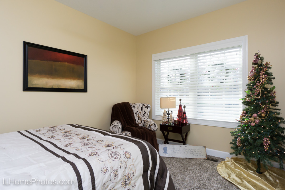 Interior bedroom photograph, Tour of Homes :: Illinois Home Photography by Michael Gowin, Lincoln, IL