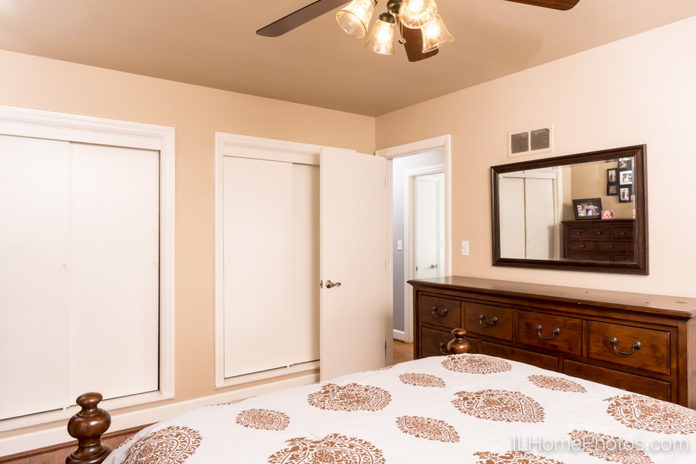 Interior bedroom photograph for real estate, Peoria, IL :: Illinois Home Photography by Michael Gowin, Lincoln, IL