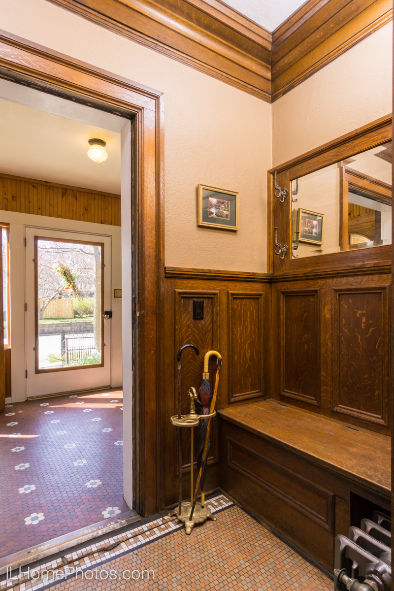 Interior entryway photograph for real estate, Washington, IL :: Illinois Home Photography by Michael Gowin, Lincoln, IL