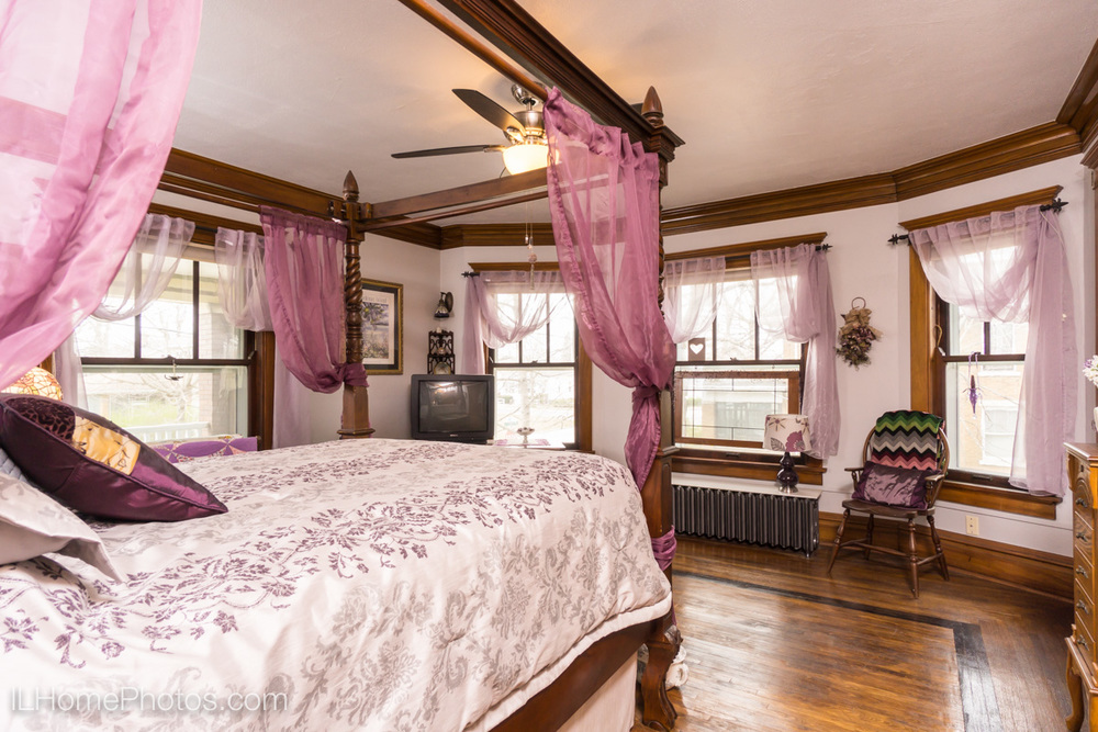 Interior bedroom photograph for real estate, Washington, IL :: Illinois Home Photography by Michael Gowin, Lincoln, IL