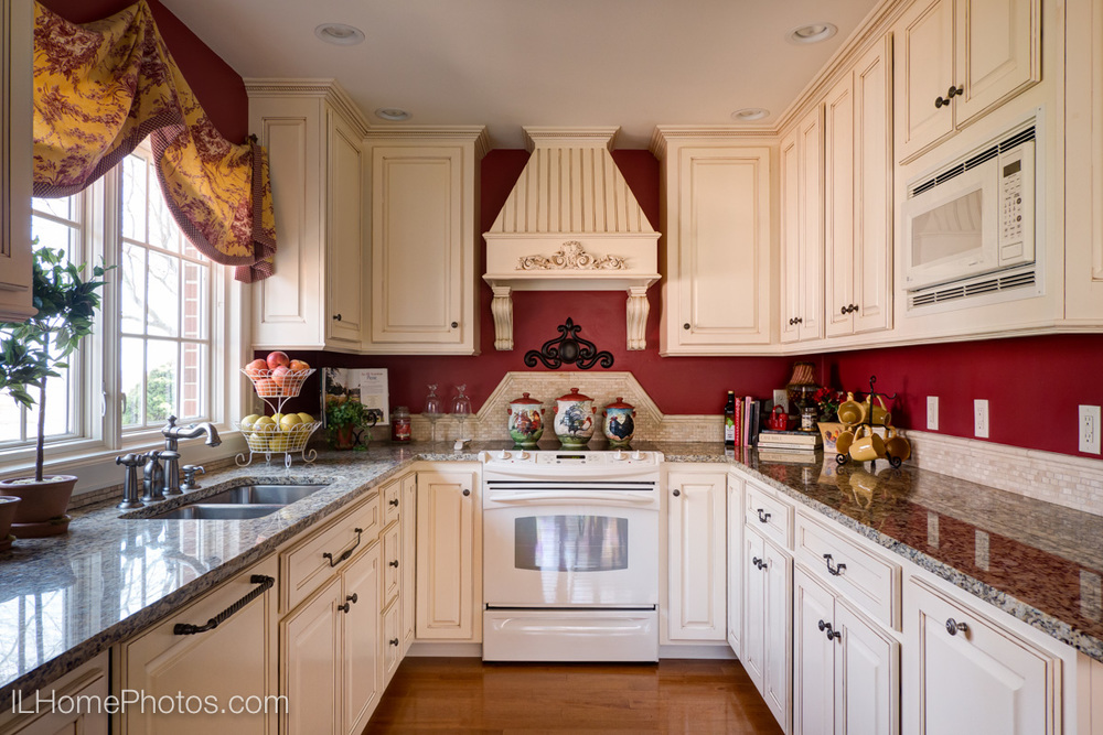 Kitchen interior photograph :: Illinois Home Photography, Michael Gowin, Lincoln, IL