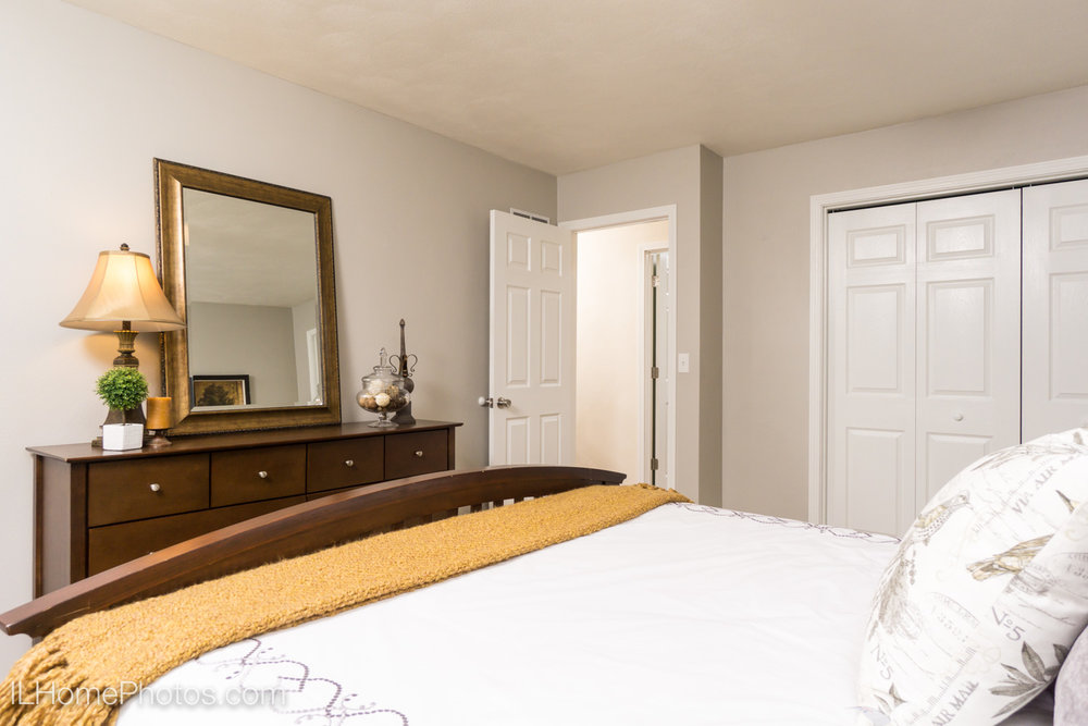 Interior master bedroom photograph for real estate in Morton, IL :: Illinois Home Photography by Michael Gowin, Lincoln, IL