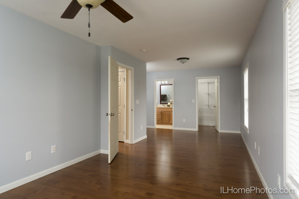 Interior master bedroom photograph for real estate :: Illinois Home Photography by Michael Gowin, Lincoln, IL