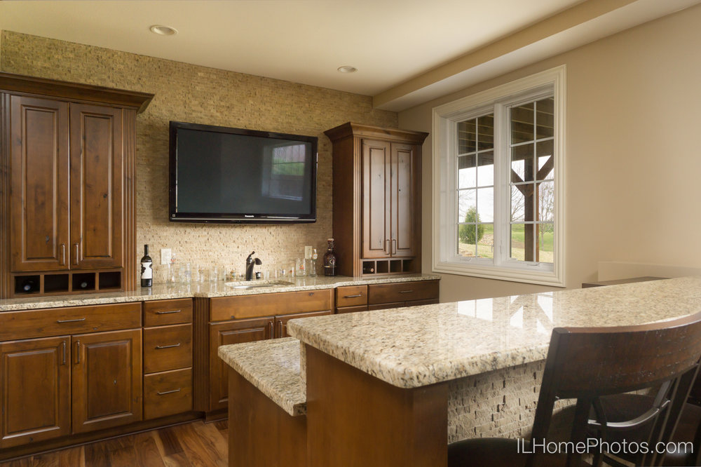 Interior bar and rec area photograph for real estate :: Illinois Home Photography by Michael Gowin, Lincoln, IL