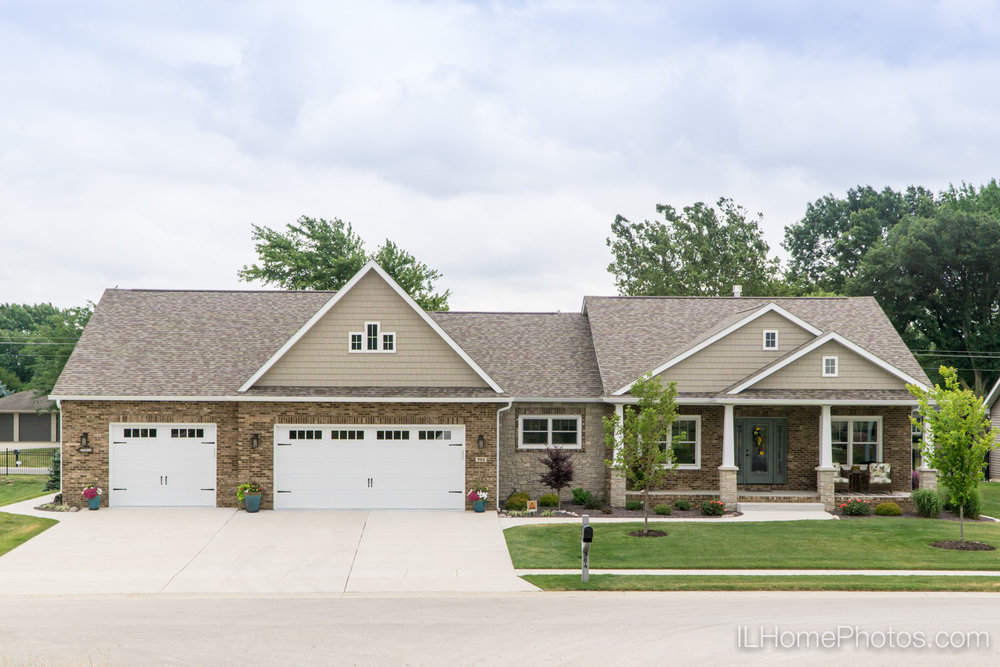 Exterior home photograph for real estate in Springfield, IL :: Illinois Home Photography by Michael Gowin, Lincoln, IL