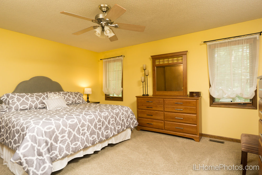 Interior master bedroom photograph for real estate in Peoria, IL :: Illinois Home Photography by Michael Gowin, Lincoln, IL