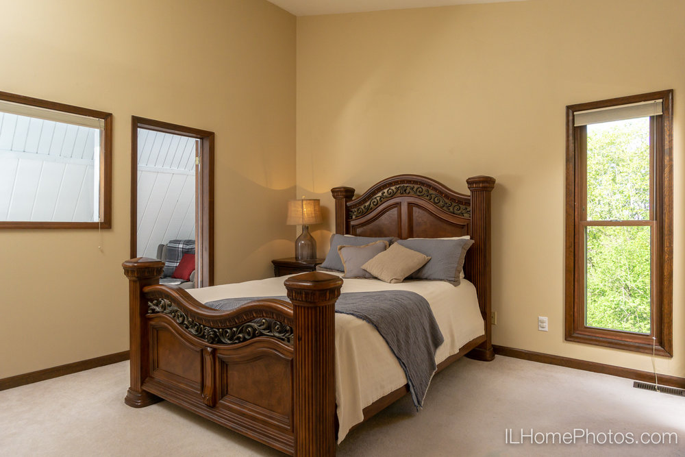 Interior master bedroom photograph for real estate in Chillicothe, IL :: Illinois Home Photography by Michael Gowin, Lincoln, IL