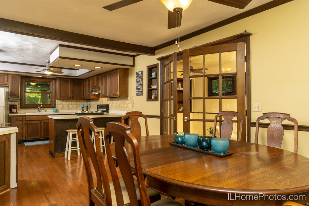 Interior dining room photograph for real estate in Sherman, IL :: Illinois Home Photography by Michael Gowin, Lincoln, IL