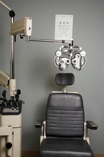 Your Oakland Optometrist located at Oakland Vision Center Optometry 1960 Broadway Oakland 94612. Experiencing blurry vision? Maybe floaters? Maybe dry, red eyes? We are here to help! We are open from 8:00-1:30,2:30-5:30 Monday thru Friday. You will sit in this super comfortable exam chair and your eyes will be tested with this nifty phoropter which holds hundreds of lenses to make sure what we prescribe is custom fit to you!