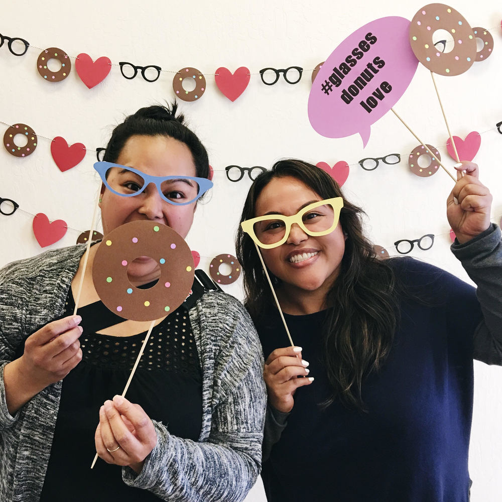 glasses-donuts-love-trunk-show-DIY-photo-booth-2016.jpg