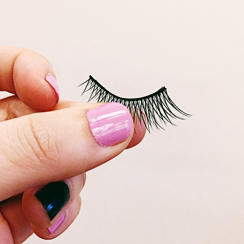 We-Love-Eyes-False-Lash-Care-4.JPG