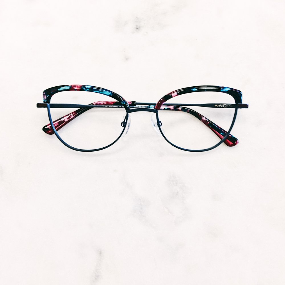 792cb6b3d70 Cat eye shapes like this look great with bangs and a long hair style. Rad  glasses Etnia Barcelona.
