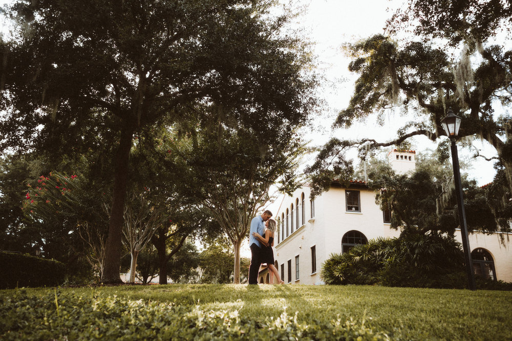 Engagement Session | Rollins College | Winter Park, FL | vanessaboy.com