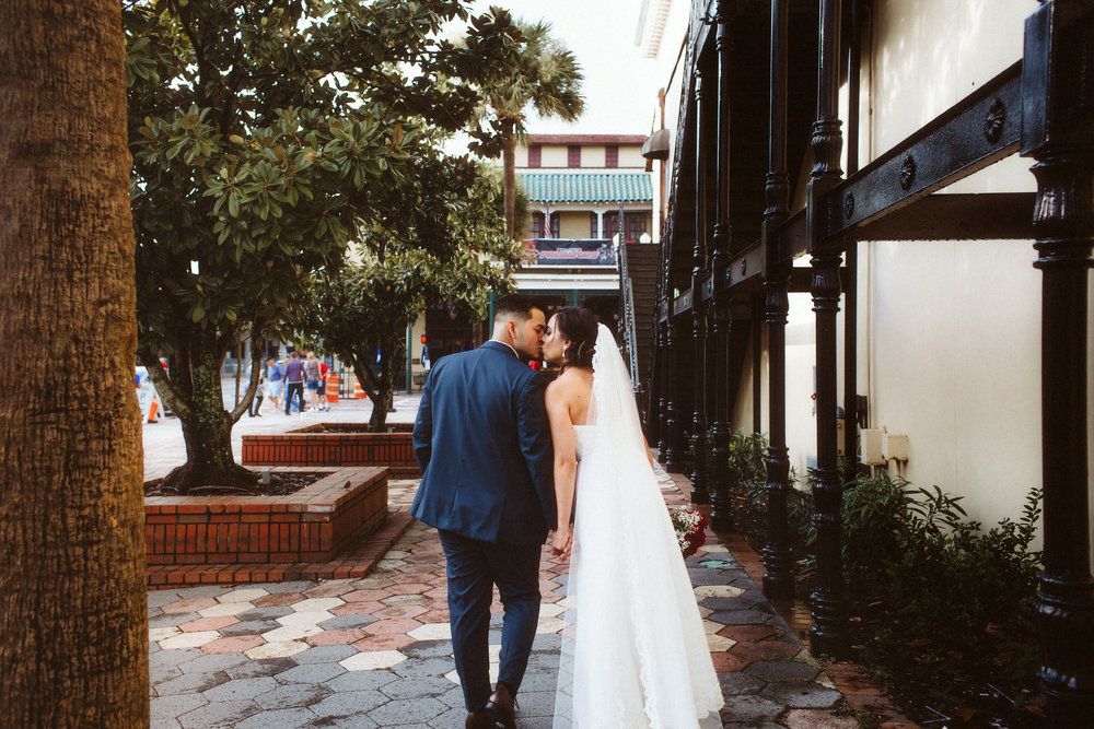 Downtown Orlando Wedding Photographer | Ceviche | Vanessa Boy