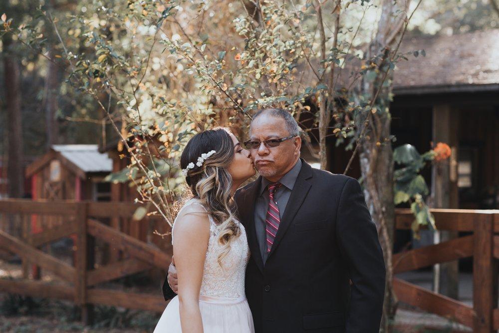 Wedding Day | Bridle Oaks Barn | Vanessa Boy Photography | vanessaboy.com-191.com final gallery.jpg