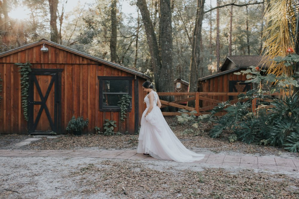 Wedding Day | Bridle Oaks Barn | Vanessa Boy Photography | vanessaboy.com-259.com final gallery.jpg