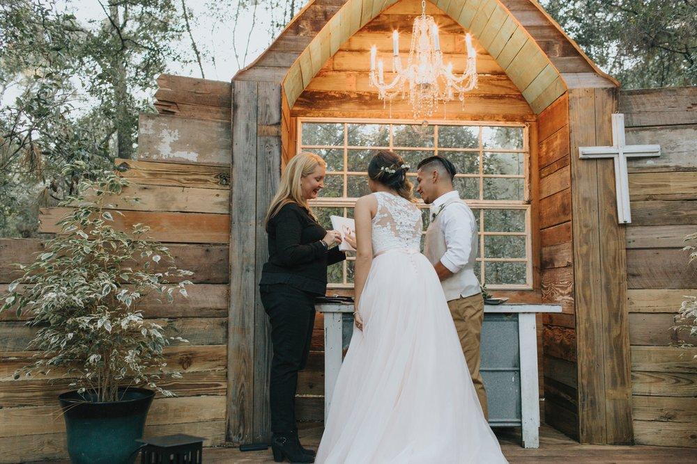 Wedding Day | Bridle Oaks Barn | Vanessa Boy Photography | vanessaboy.com-443.com final gallery.jpg