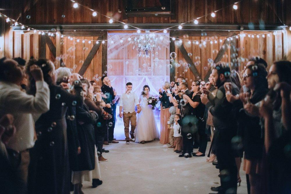 Wedding Day | Bridle Oaks Barn | Vanessa Boy Photography | vanessaboy.com-825.com final gallery.jpg