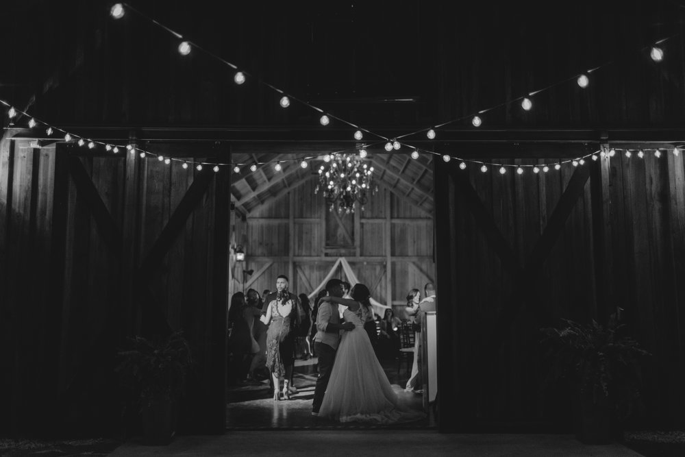 Wedding Day | Bridle Oaks Barn | Vanessa Boy Photography | vanessaboy.com-808.com final gallery.jpg