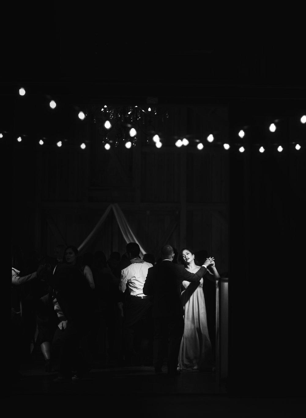 Wedding Day | Bridle Oaks Barn | Vanessa Boy Photography | vanessaboy.com-812.com final gallery.jpg