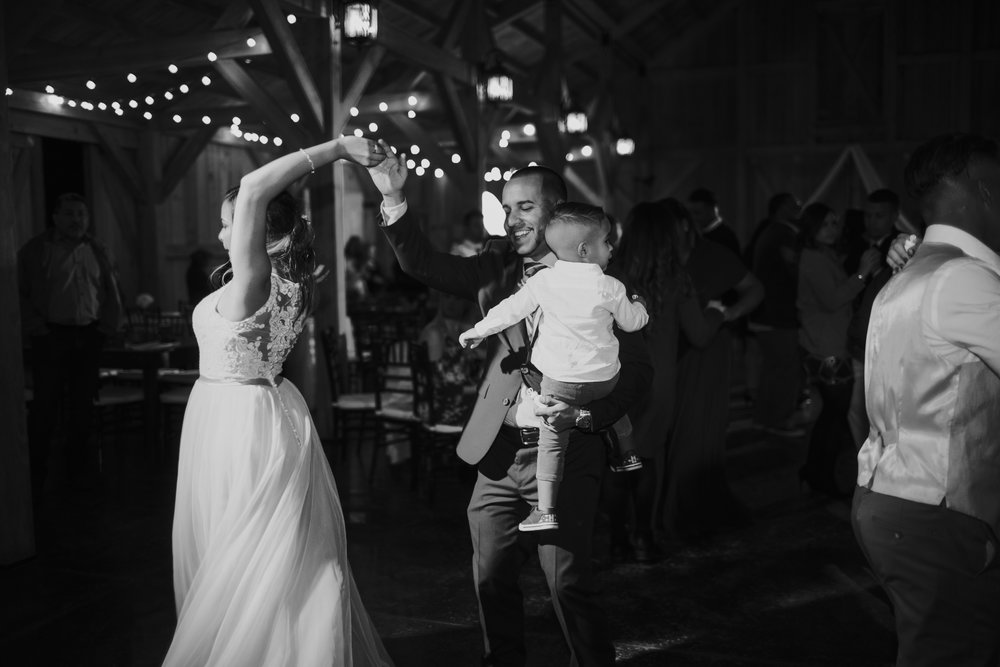 Wedding Day | Bridle Oaks Barn | Vanessa Boy Photography | vanessaboy.com-818.com final gallery.jpg