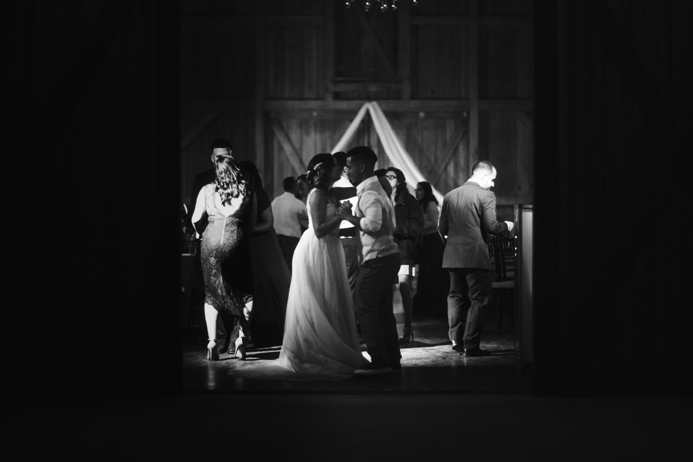 Wedding Day | Bridle Oaks Barn | Vanessa Boy Photography | vanessaboy.com-821.com final gallery.jpg