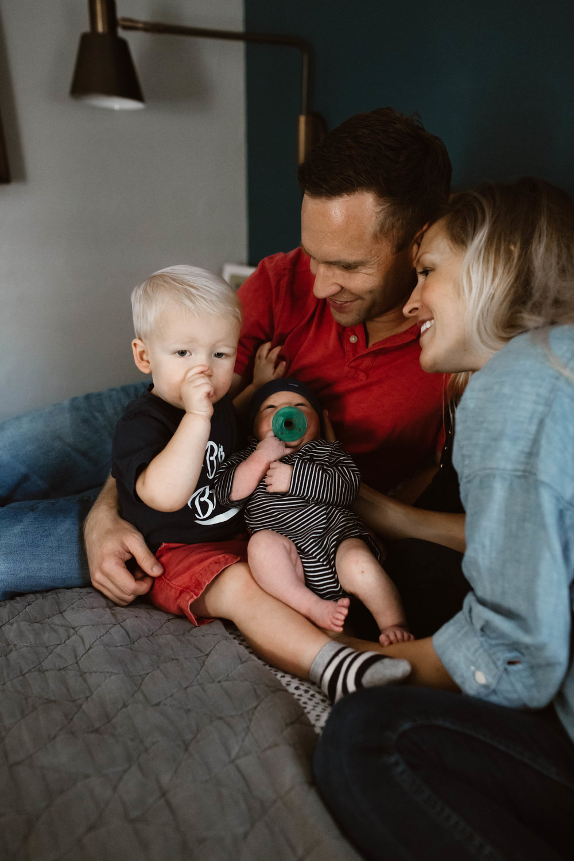 In-Home Newborn Lifestyle Session | © Vanessa Boy | vanessaboy.com-78.jpg