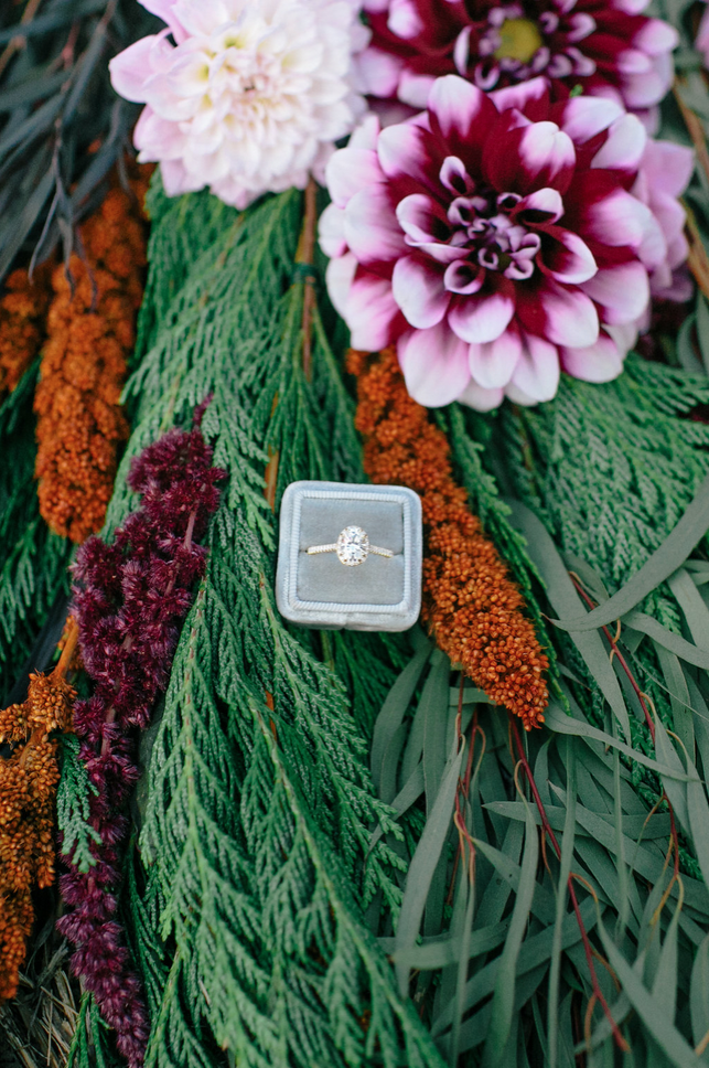 the-design-hunters-floral-hunters-suprise-engagement-1
