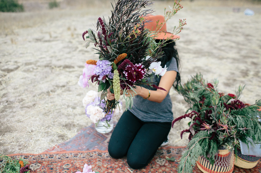 the-design-hunters-floral-hunters-suprise-engagement-3