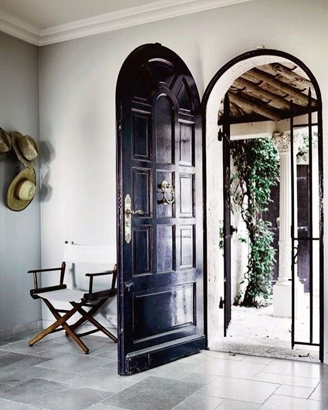 Such a bold beautiful doorway. #thedesignhunters #architecture #inspiration