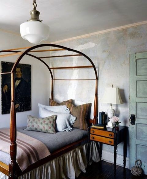 Sweet dreams from this Victorian cottage guest room ✨Design by @kenfulk | Captured by @thefacinator for @elledecor #thedesignhunters #interiorinspiration