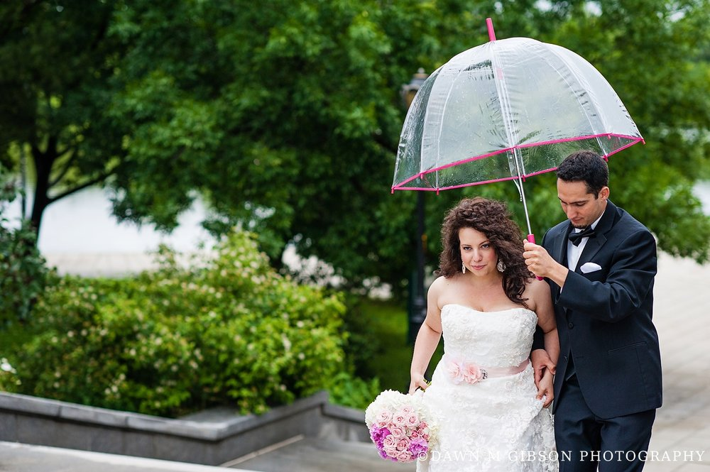 RainyDayBuffaloWNYWeddingPhotographer_DawnMGibson_LE5.jpg