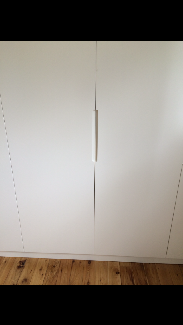 200mm ruoted side handles on polyurethane doors.PNG